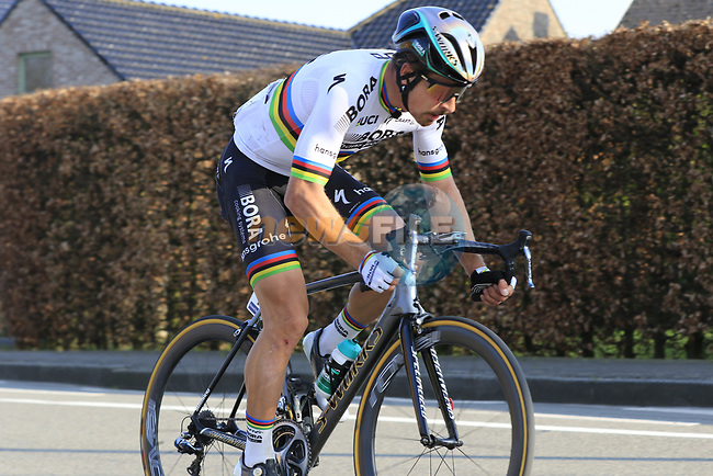 World Champion Peter Sagan (SVK) Bora-Hansgrohe a lonely figure after crashing, with 12k to go during the 60th edition of the Record Bank E3 Harelbeke 2017, Flanders, Belgium. 24th March 2017.<br /> Picture: Eoin Clarke | Cyclefile<br /> <br /> <br /> All photos usage must carry mandatory copyright credit (&copy; Cyclefile | Eoin Clarke)