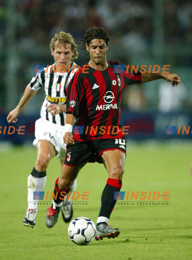 Ancona 12/08/2003<br /> Trofeo Tim - Tim Cup <br /> Manuel Rui Costa inseguito da Pavel Nedved