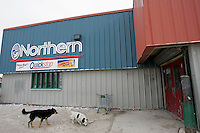 The Northern Store, where one of the only shops in town carrying fresh food, at prices much higher than in southern towns. <br /> <br /> (Ian Stewart photo)