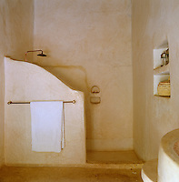 The bathroom walls are covered in tadelakt, the ancient Moroccan plaster technique originally used in hammams