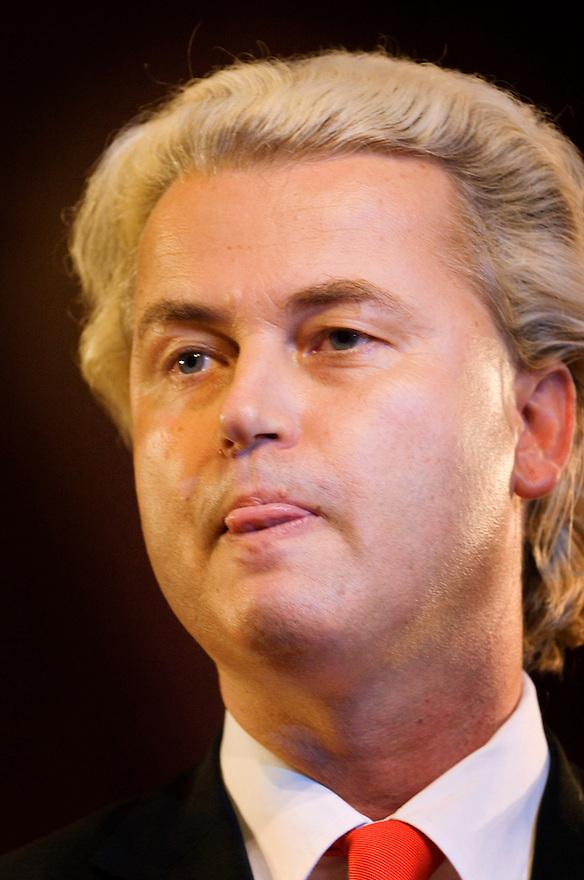 Nederland, Amsterdam, 25 aug 2006,..Groep Wilders presenteert zijn lijst, de kandidaten voor de tweede kamer. .Geert Wilders gaat de verkiezingen voor de tweede kamer in met zijn partij Partij voor de Vrijheid. Vandaag presenteerde hij de kandidaten voor de tweedekamerfraktie van zijn partij, die mikt op 10 zetels. De PVV is een van de nieuwe kleine rechtse partijen die het gedachtengoed van Pim Fortuyn gaat uitdragen..Foto: (c) Michiel Wijnbergh