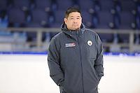 SCHAATSEN: HEERENVEEN: IJsstadion Thialf, 06-12-2016, ISU World Cup-training, Ryan Shimabukuro (coach Team Columbia), ©foto Martin de Jong