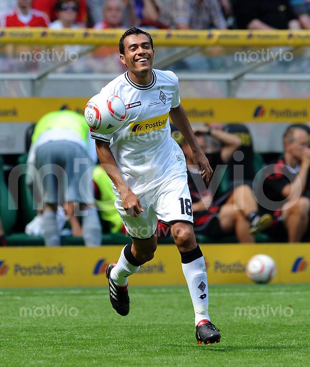 1. FUSSBALL BUNDESLIGA Saison 2010/2011 Freundschaftsspiel Borussia Moenchengladbach - FC Liverpool    01.08.2010 Juan Arango (Gladbach)
