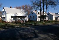 1987 November 01..Conservation.Ballentine Place...VARIOUS HOUSE VIEWS...NEG#.NRHA#..