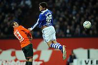 FUSSBALL   1. BUNDESLIGA   SAISON 2011/2012    17. SPIELTAG FC Schalke 04 - SV Werder Bremen                            17.12.2011 Lukas Schmitz (li, SV Werder Bremen) gegen Klaas Jan Huntelaar (43, FC Schalke 04)