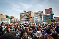 NEW YORK APRIL 25: Thousands gathered at Harlem's 125th Street to dance, celebrate and honor the life of Prince Monday evening. During the course of his legendary career, Prince made several appearances at the famed Apollo Theater in Harlem.The pop star died on Thursday at the age of 57. in Harlem, New York City, Monday 25, 2016.Photo by VIEWpress/Maite H. Mateo