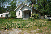1997 May 01..Conservation.Ballentine Place...2846 TAIT TERRACE...NEG#.NRHA#..