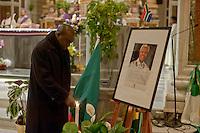 Roma 14 dicembre 2013<br /> Veglia  delle comunit&agrave; migranti africane, un requiem in onore di Nelson Mandela, Basilica del Sacro Cuore di Ges&ugrave;.<br /> Rome December 14, 2013<br /> Vigil of the  migrant communities in Africa, a requiem in honor of Nelson Mandela, to  Basilica of the Sacred Heart of Jesus