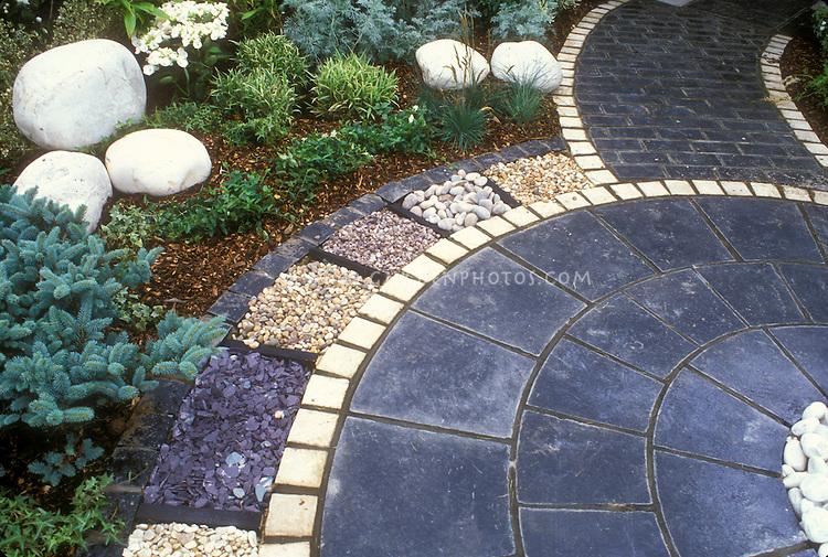Bluestone Paver Patio With White Stone Pavers With Various Stone Mulch Edging  Borders