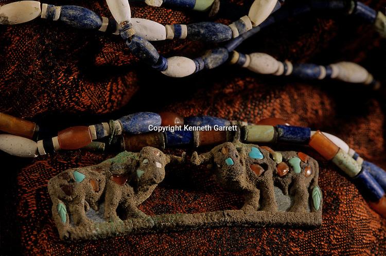 Oxus Civilization; Turkmenistan; Gonor Depe site; Victor Sarianidi; Archaeology; BMAC complex, jewelry