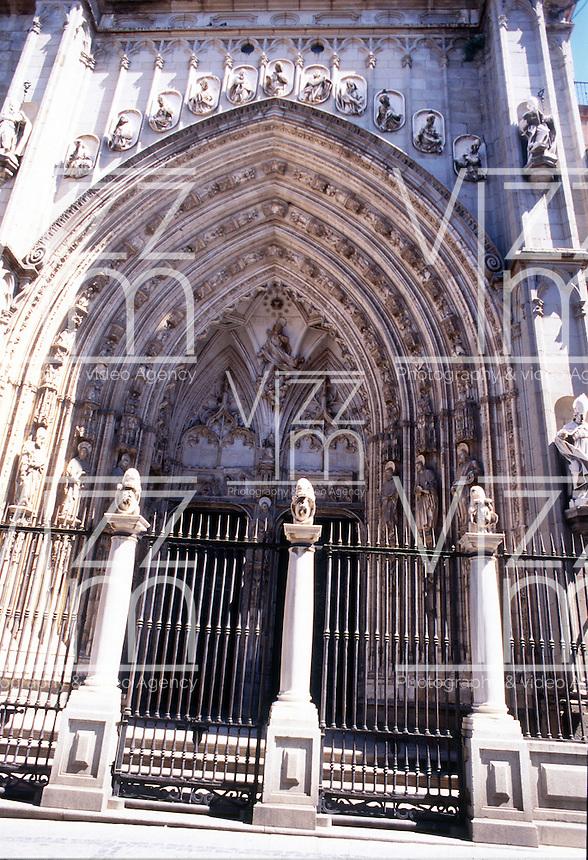 TOLEDO- ESPAÑA- 26-06-2005. Catedral de Santa María de Toledo, también conocida como Catedral Primada de Toledo, ejemplo del arte gótico español. Saint Mary of Toledo Cathedral, also called Toledo Cathedral, it is an example of Spanish Gothic art. (Photo: VizzorImage)....