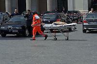 Roma 28 Aprile 2013.L'arrivo dei soccorsi  sul luogo della sparatoria davanti Palazzo Chigi dove sono stati feriti due carabineri da un uomo poi arrestato.