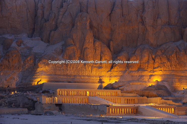 Hatshepsut; Egypt; Temple; Deir el Bahri; Sunset; night; New Kingdom; 18th dynasty; West Bank; Theban Mountain; Luxor
