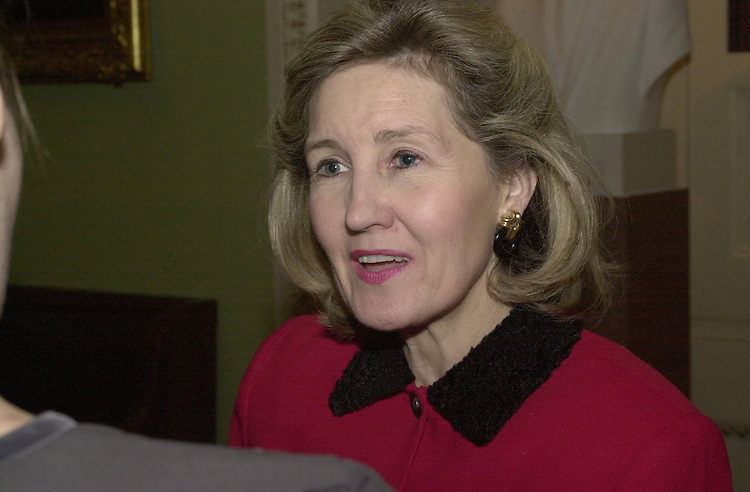 RC20000329-320-RR: March 28, 2000: Sen Kay Bailey Hutchison.   Rebecca Roth/Roll Call.