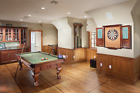 Have a cocktail and play some pool! This multipurpose room gives you everything you need at the end of a long day.
