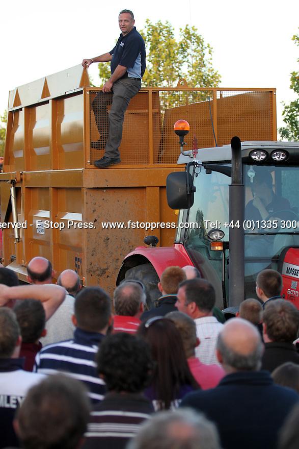 FSP_MILK_PROTEST_MARKET_DRAYTON_018.JPG | FSTOPPRESS