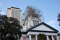 TALLAHASSEE, FLA. 1/10/12-OLDCAPTIOL011012 CH-Florida's Historic Capitol during the renovation of cupola's roof on Jan. 10, 2012 in Tallahassee. The renovation work to the building also known as the Old Capitol is scheduled to be competed in April of 2012...COLIN HACKLEY PHOTO