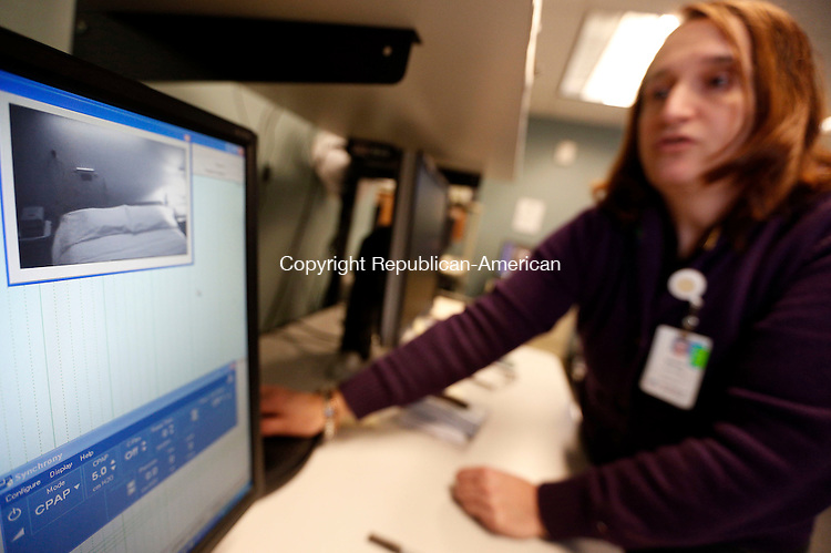 Middlebury, CT- 11 March 2015-031115CM06-  Donna Severson, a clinical sleep educator at the Waterbury Hospital Regional Sleep Center talks about a computer she uses to monitor a patient at the center's office in Middlebury on Wednesday.    Christopher Massa Republican-American