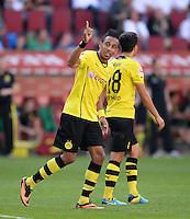 Fussball  1. Bundesliga  Saison 2013/2014    FC Augsburg - Borussia Dortmund      10.08.2013 JUBEL Dortmund; Pierre-Emerick Aubameyang (li) nach seinem Tor zum 0-3