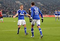FUSSBALL   1. BUNDESLIGA   SAISON 2012/2013    18. SPIELTAG FC Schalke 04 - Hannover 96                           18.01.2013 Jubel nach dem 2:0: Lewis Holtby und Julian Draxler (v.l, beide FC Schalke 04)