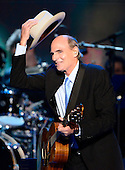 Singer / songwriter James Taylor performs at the 2012 Democratic National Convention in Charlotte, North Carolina on Thursday, September 6, 2012.  .Credit: Ron Sachs / CNP.(RESTRICTION: NO New York or New Jersey Newspapers or newspapers within a 75 mile radius of New York City)