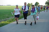 WANDELSPORT: Easterwierrum - Raerd, 04-06-2016, Slachtemarathon, ©foto Martin de Jong