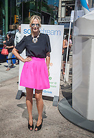 Actress/model Molly Sims promotes SodaStream at an event in Union Square in New York on Wednesday, August 27, 2014. (© Richard B. Levine)