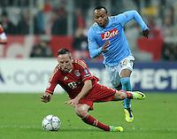 FUSSBALL   CHAMPIONS LEAGUE   SAISON 2011/2012     02.11.2011 FC Bayern Muenchen - SSC Neapel Franck Ribery (li, FC Bayern Muenchen) wird von Juan Zuniga (SSC Neapel) gefoult bekommt dafuer die ROTE KARTE
