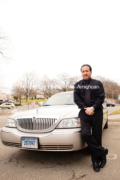 WATERBURY, CT - 15 January 2013-011513EC04--     Tony Pesce and his Town Car.  Erin Covey Republican-American.
