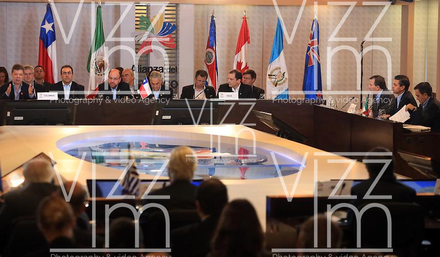 CALI - COLOMBIA - 23-05-2013: Juan Manuel santo Presidente de Colombia, inauguro la VII Cumbre de la Alianza del Pacífico, en la ciudad de Cali, en el departamento del Valle del Cauca, Colombia, mayo 23 de 2013.  La Alianza del Pacífico es un mecanismo de integración creado formalmente en 2012 para propiciar el libre flujo de bienes, inversiones y personas entre sus socios, Colombia, México, Chile y Perú para la búsqueda conjunta de mercados, especialmente en la zona Asia-Pacífico. (Foto: VizzorImage / Juan C Quintero / Str). Juan Manuel Santos, President of Colombia, inaugurated the VII Summit of the Pacific Alliance, in Cali, department of Valle del Cauca, Colombia, May 23, 2013. Pacific Alliance is an integration mechanism formally established in 2012 to promote the free flow of goods, investments and people between its partners, Colombia, Mexico, Chile and Peru to the joint search for markets, especially in Asia-Pacific. (Photo: VizzorImage / Juan C Quintero / Str)......