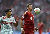 FUSSBALL   1. BUNDESLIGA  SAISON 2012/2013   3. Spieltag FC Bayern Muenchen - VfB Stuttgart      02.09.2012 Francisco Rodriguez (li, VfB Stuttgart) gegen Mario Mandzukic (FC Bayern Muenchen)