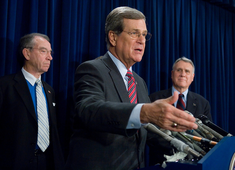 """WASHINGTON, DC - Nov. 14: Senate Finance ranking member Charles E. Grassley, R-Iowa, Senate Minority Whip Trent Lott, R-Miss., and Sen. Jon Kyl, R-Ariz., during a news conference on what they call the """"mismanagement"""" of the Senate by Democratic leaders as the farm bill, the tax bill and other legislation remains unresolved or under veto threat. (Photo by Scott J. Ferrell/Congressional Quarterly)."""