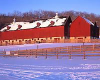 Ashmore-Jewell Barn, Decorah, Iowa     Classic Iowa farm barn in winter