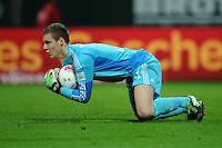 FUSSBALL   1. BUNDESLIGA    SAISON 2012/2013    14. Spieltag   SV Werder Bremen - Bayer 04 Leverkusen                28.11.2012 Torwart Bernd Leno (Bayer 04 Leverkusen)