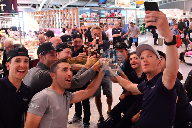 Selfie time as riders including transfer from Cagliari airport to Sicily after Stage 3 of the 100th edition of the Giro d'Italia 2017, running 148km from Tortoli to Cagliari, Sardinia, Italy. 7th May 2017.<br /> Picture: LaPresse/Gian Mattia D'Alberto | Cyclefile<br /> <br /> <br /> All photos usage must carry mandatory copyright credit (&copy; Cyclefile | LaPresse/Gian Mattia D'Alberto)