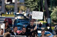 Roma 30 Ottobre 2014<br /> Protesta degli  studenti dei collettivi della Universit&agrave; Sapienza che contestano nel giorno in cui, nell'Aula Magna del Rettorato, avviene il passaggio di consegne tra il  rettore uscente Luigi Frati e il nuovo rettore Eugenio Gaudio, perch&egrave; cambia il rettore ma non gli interessi, l'universit&agrave; non &egrave; un'azienda.<br /> Rome October 30, 2014 <br /> Protest of the student movement of the Sapienza University who question the day when, in the Great Hall of the Rector, is the handover between the outgoing rector Luigi Frati and the new rector Eugene Gaudio, because it changes the rector but not the interest, the university is not a business.