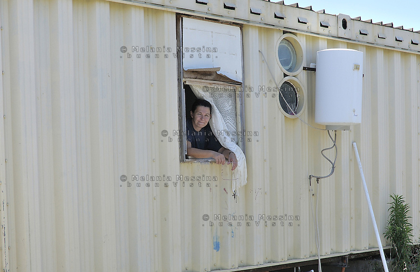 woman living  in a house-container of the Municipality of Palermo  since seven years,after being  evicted from home.<br /> Palermo, una donna vive da circa sette anni in un campo containers del comune dopo avere  subito uno sfratto.