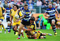 Matt Banahan of Bath Rugby takes on the Worcester Warriors defence. Aviva Premiership match, between Bath Rugby and Worcester Warriors on September 17, 2016 at the Recreation Ground in Bath, England. Photo by: Patrick Khachfe / Onside Images