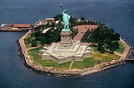 Nov 1985, New York City, New York: Statue of Liberty after renovation. The renovation was carried out by LCM corporation ( Les Metalliers Champenois) based in Patterson, New Jersey. LCM was founded by french artisans who came from france for the restoration.