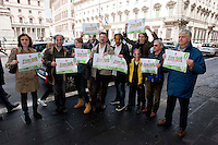 Roma 3 Maggio 2014<br /> Flash-mob della lista Green Italia-Verdi Europei in occasione della Giornata mondiale sulla Libert&agrave; di stampa e per denunciare la censura nei confronti della lista ecologista in queste elezioni europee.Per protesta gli ecologisti indossano delle maschere di Vespa, Paragone, Telese i conduttori di popolari talk show che non stanno dando spazio ai candidati verdi.<br /> Rome May 3, 2014 <br /> Flash-mob list Green Italian-European Greens on the occasion of the World Day on Freedom of the press and to denounce the censure on the list ecologist in these European elections. The  environmentalists for  protest wearing masks of Vespa, Paragone , Telese, conductors popular talk show that they are not giving the  space to the  green candidates.