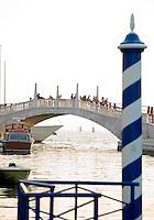 Non loin de la Place Saint Marc.(Venise, Octobre 2006)