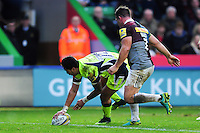 Denny Solomona of Sale Sharks scores a try in the first half. Aviva Premiership match, between Harlequins and Sale Sharks on January 7, 2017 at the Twickenham Stoop in London, England. Photo by: Patrick Khachfe / JMP