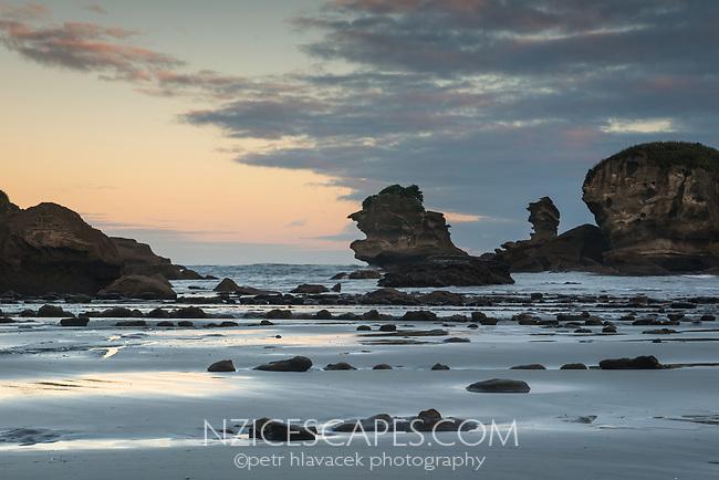 Seal Island in Woodpacker Bay near Punakaiki, Paparoa National Park, West Coast, New Zealand, NZ
