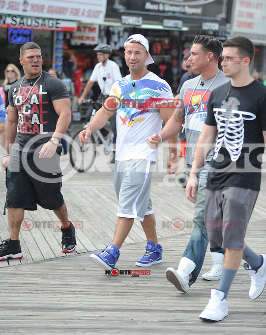 """June 01 , 2012:On The Set Of Jersey Shore ,Mike """"The Situation Sorrentino ,Paul """"Pauly D"""" DelVecchio ,Vinny Guadagnino ,Ronnie Ortiz-Magro ,Seaside Heights ,New Jersey. mpi15 / Mediapunchinc"""