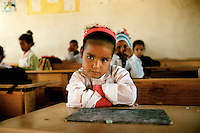 Gennaio 2010.Campo Profughi Saharawi di Dakhla..Una Bambina nella Scuola elementare Carlo Giuliani a Dakhla, sostenuta dalla Fondazione Carlo Giuliani..January 2010.The refugee camp of Dakhla..Sahrawi student attend a class in Carlo Giuliani school