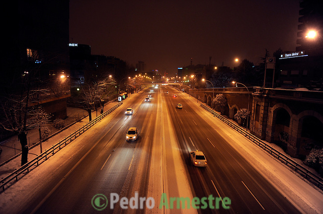 Several vehicles on the road walking from barcelona, madrid during the storm, the January 10, 2010 (c)Pedro Armestre
