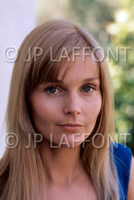 Chateau Marmont, Hollywood, California - May 1, 1972. American actress Carol Lynley at her room in the Chateau Marmont Hollywood Hotel. ( February 13, 1942) She is a former child model and American actress, best known for her roles in The Poseidon Adventure, The Cardinal and Harlow.