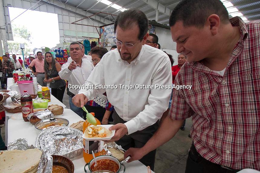 San Juan del R&iacute;o, Qro.- El Gobernador Jorge L&oacute;pez Portillo inaugur&oacute; el Centro Regional de Procuraci&oacute;n de Justicia de San Juan del R&iacute;o, ubicado en el Nuevo Parque Industrial de la zona oriente de la ciudad, a trav&eacute;s de este centro brindar&aacute; apoyo a municipios como Tequisquiapan y Pedro Escobedo, en beneficio de m&aacute;s de 369 mil familias.<br /> En el evento estuvieron tambi&eacute;n el Presidente Municipal Fabi&aacute;n Pineda, el Procurador General de Justicia, Arsenio Dur&aacute;n Becerra, el Secretario de Desarrollo Urbano y Obras P&uacute;blicas, Jos&eacute; P&iacute;o X Salgado Tovar, el Presidente del Tribunal Superior de Justicia del Estado, Magistrado Carlos Manuel Septi&eacute;n Olivares, entre otras personalidades.