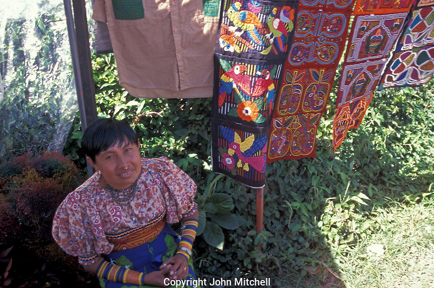 Kuna Indian woman selling molas at the Sunday market in El Valle , Panama