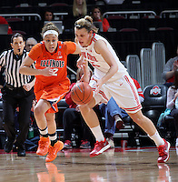 Illinois Ivory Crawford chases Ohio State's Amy Scullion (25) in the first half of their game against the Illinois Fighting Illini at the Value City Arena in Columbus, Ohio on January 30, 2014. (Columbus Dispatch photo by Brooke LaValley)